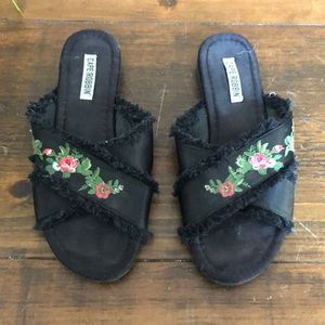 Cape Robbin Black Slide Sandal Size 7